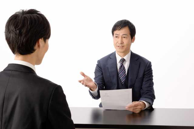 転職エージェントとの面談の時間帯や場所はどこ?
